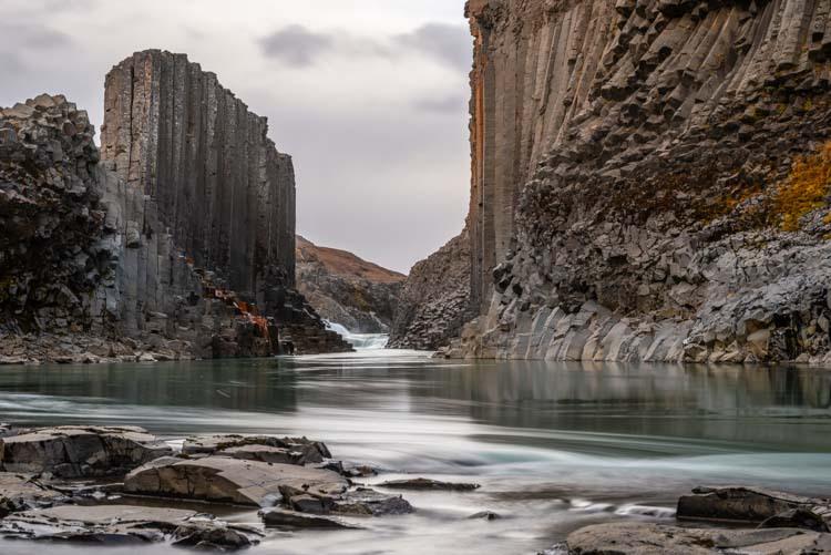 Stuðlagil, een vallei van wonderbaarlijke schoonheid